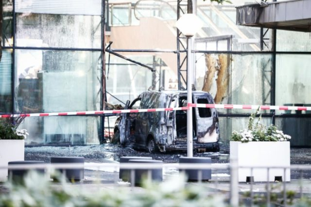 Van slams into Amsterdam offices of Dutch daily paper