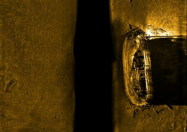 This Parcs Canada handout picture shows a sonar scan of 19th century British Arctic explorer Sir John Franklin's lost ship, HMS Erebus -- a relic threatened by the coastal erosion and the thawing of permafrost -- on the ocean floor