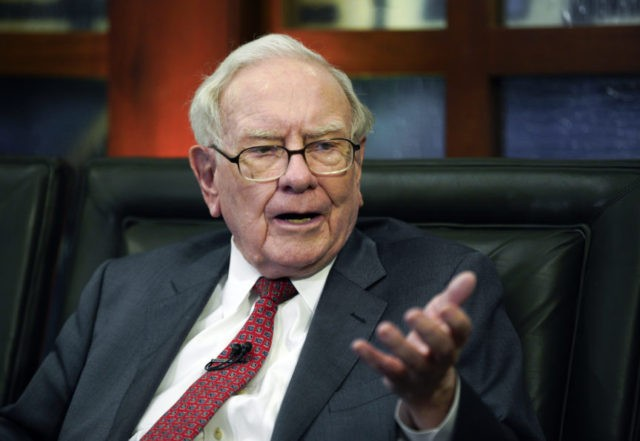 Buffett, Dimon urge end to quarterly profit forecasts | AP business