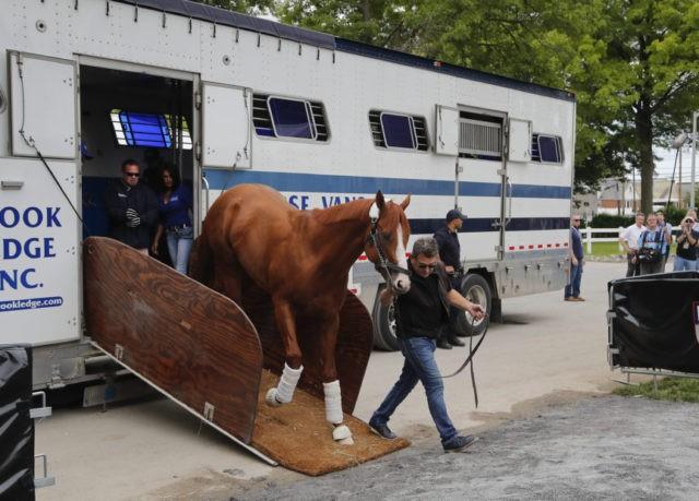 Justify arrives in New York for Triple Crown bid