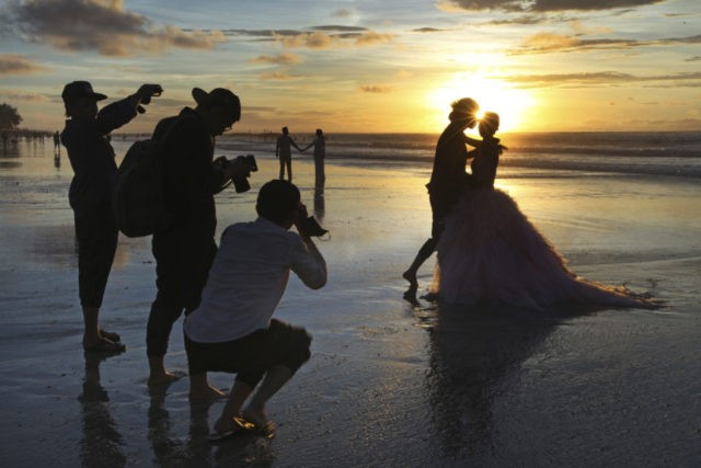 Chart a course for a low-hassle destination wedding