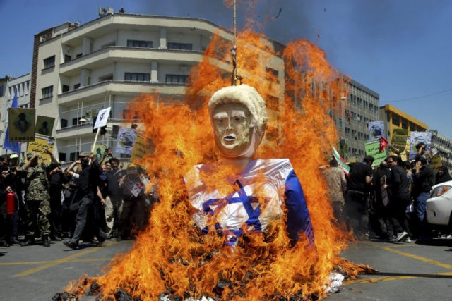 On 'Jerusalem Day,' Gaza anti-blockade protest near Israel