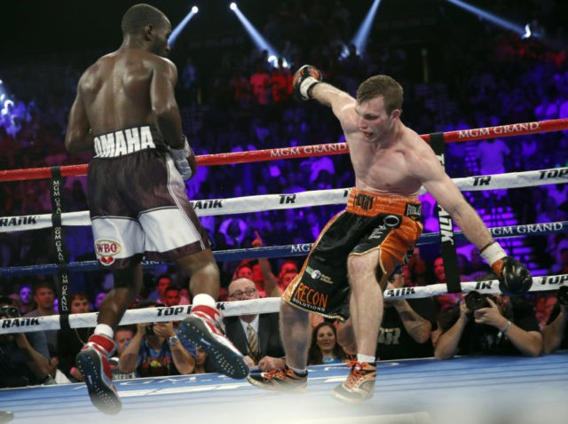 Crawford scores TKO over Horn, wins WBO welterweight title
