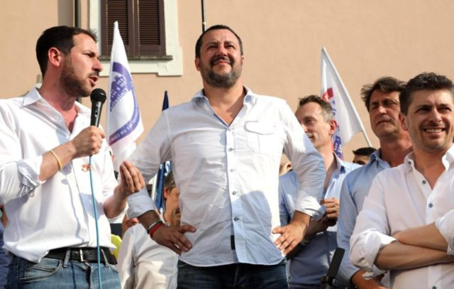 Italy's interior minister turns gaze to 'Roma question'