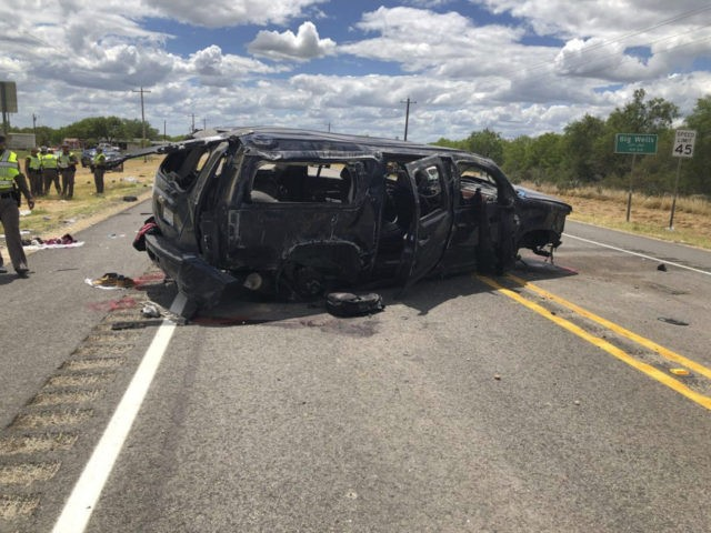 5 charged in immigrant smuggling scheme after Texas crash