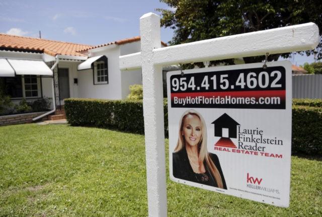 US long-term mortgage rates fall; 30-year at 4.57 percent