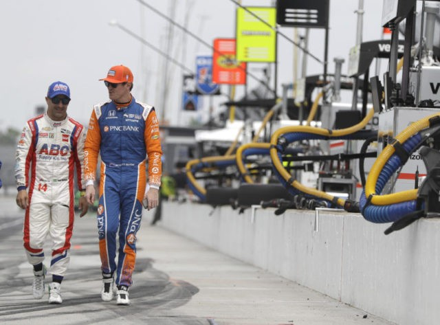 IndyCar's Scott Dixon and Tony Kanaan are fast friends
