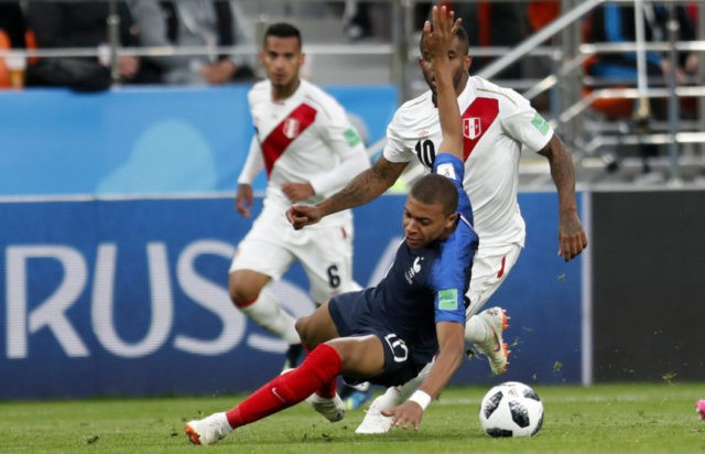 The Latest: Farfan OK but misses Peru's trip to Sochi