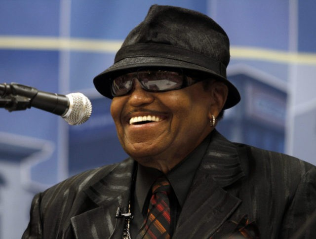 Joe Jackson, patriarch of musical Jackson family, dies at 89