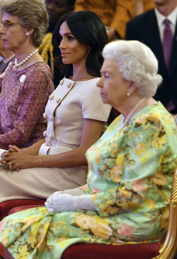 Queen Elizabeth II 'under the weather,' cancels appearance