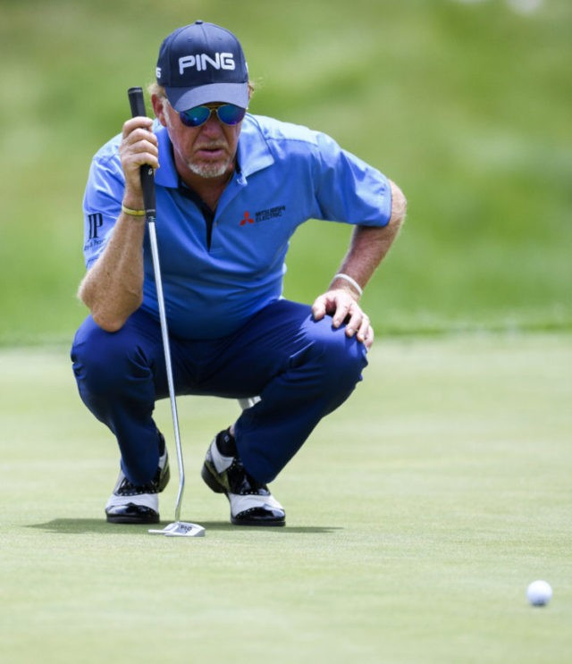 Putting optional: Kelly takes 1-shot lead at US Senior Open
