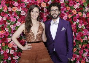 Sara Bareilles, Josh Groban kick off Tonys telecast