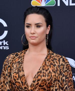 Demi Lovato cancels concert due to 'swollen vocal cords'