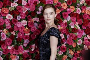 Zoey Deutch says kissing James Franco was 'meh'