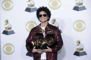 Major Grammy categories to feature eight nominees