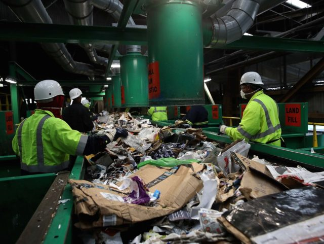 California recycling (Justin Sullivan / Getty)