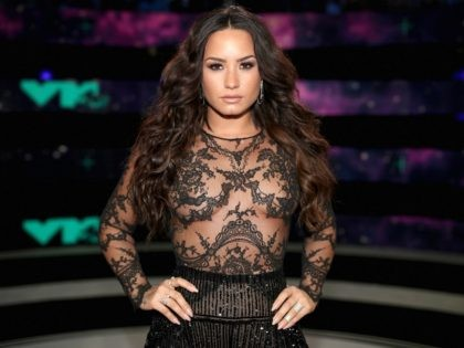 Demi Lovato attends the 2017 MTV Video Music Awards at The Forum on August 27, 2017 in Inglewood, California. (Photo by Christopher Polk/Getty Images)