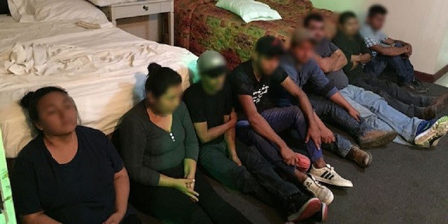 Laredo Sector agents find illegal immigrants packed in motel room used as makeshift human smuggling stash house. (Photo: U.S. Border Patrol/Laredo Sector)