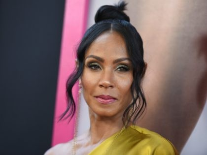 Actress Jada Pinkett Smith arrives for the premiere of 'Girls Trip,' July 13, 2017 at Regal L.A. Live in Los Angeles, California. / AFP PHOTO / Robyn Beck (Photo credit should read ROBYN BECK/AFP/Getty Images)