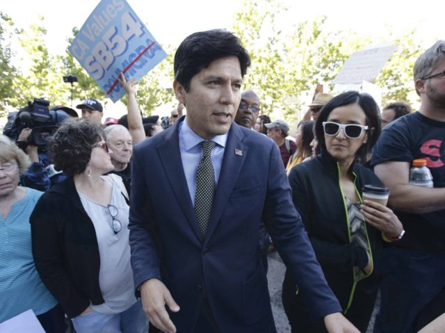 Kevin de Leon (Rich Pedroncelli / Associated Press)