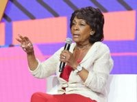 Maxine Waters Claims Trump Can't Spell First Lady Melania's Name