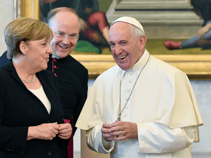 Pope Francis Praises Theological Conference for Focus on 'Ecology,' 'Immigration'
