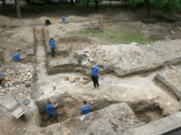 Members of an international team of archaeologists work to unearth parts of the Great Synagogue of Vilnius, on on July 25, 2018 in Vilnius, Lithuania. - A team of archaeologists announced the discovery of the most revered part of the Great Synagogue of Vilnius, Lithuania's major Jewish shrine before it …