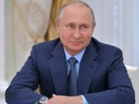 Putin sees 'positive trends' in Russian economy