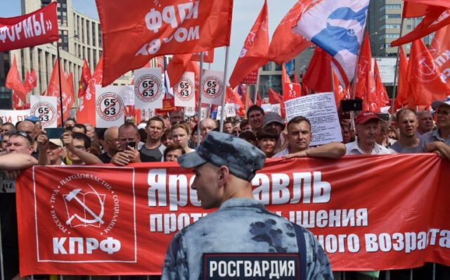 Thousands of Russians protest against pension age hike