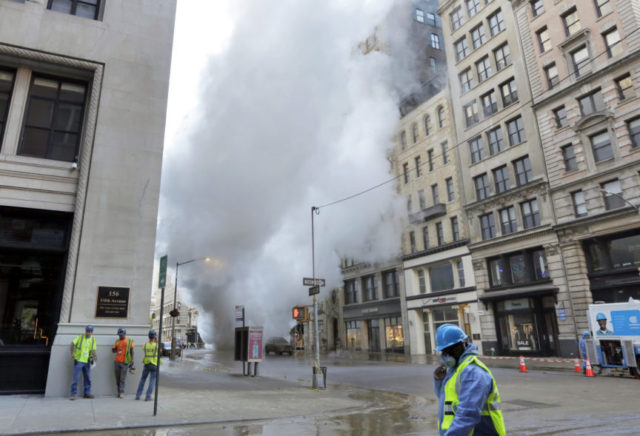28 buildings evacuated in Flatiron District after steam pipe explosion