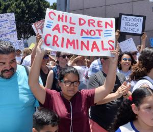 U.S. using DNA to reunite 3,000 migrant children, parents