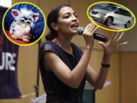 DETROIT, MI - JULY 28: New York Democrat candidate for Congress Alexandria Ocasio-Cortez campaigns for Michigan Democratic gubernatorial candidate Abdul El-Sayed at a rally on the campus of Wayne State University July 28, 2018 in Detroit, Michigan. (Photo by Bill Pugliano/Getty Images)