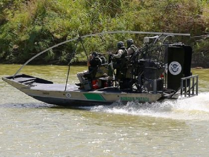 Border Patrol Agents Rescue Migrant in Rio Grande River