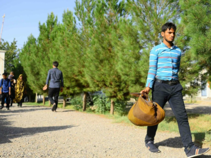 Nearly Half a Million Afghan Migrants Leave Iran amid U.S. Sanctions, Collapsing Economy
