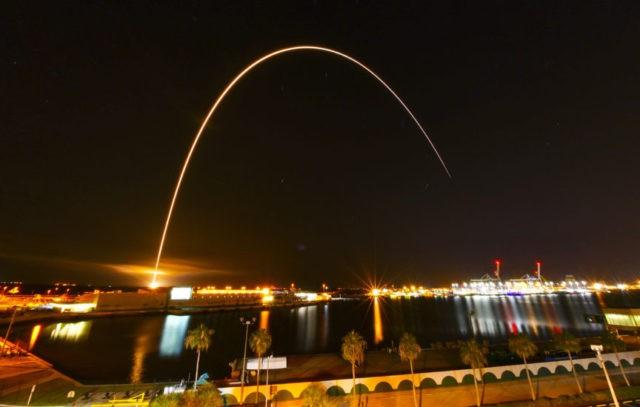 Wire: NASA spacecraft hurtles toward Sun in 'Sputnik-era dream'