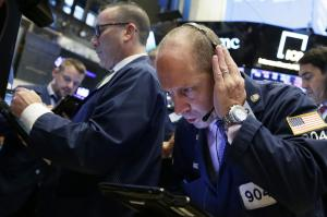 Oil prices drop on reports of U.S. inventory build