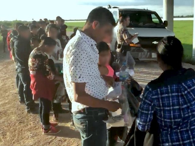 Rio Grande Valley Sector Border Patrol agents apprehend a large group of migrant families and unaccompanied minors near Granjeno, Texas. (Photo: U.S. Border Patrol/Rio Grande Valley Sector)
