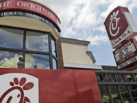 WATCH: Worship Group Breaks Out Singing 'Lean on Me' at Chick-fil-A
