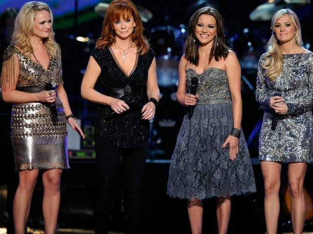 Musicians Jennifer Nettles, Miranda Lambert, Reba McEntire, Martina McBride,and Carrie Underwood perform onstage during ACM Presents: Girls' Night Out: Superstar Women of Country concert held at the MGM Grand Garden Arena on April 4, 2011 in Las Vegas, Nevada. (Photo by Ethan Miller/Getty Images)