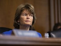 Lisa Murkowski: FBI Probe Would 'Clear up' Questions About Brett Kavanaugh's Past