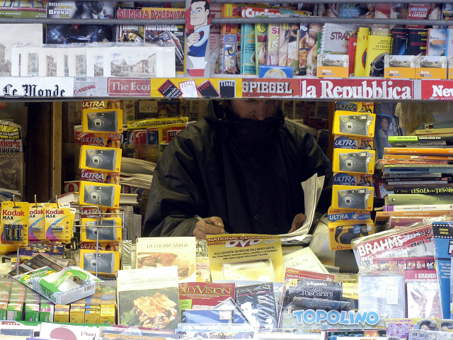 ROME - MARCH 6 : A newsstand at Navona Square is shown March 6, 2003 in Rome, Italy. (Photo by Franco Origlia/Getty Images)