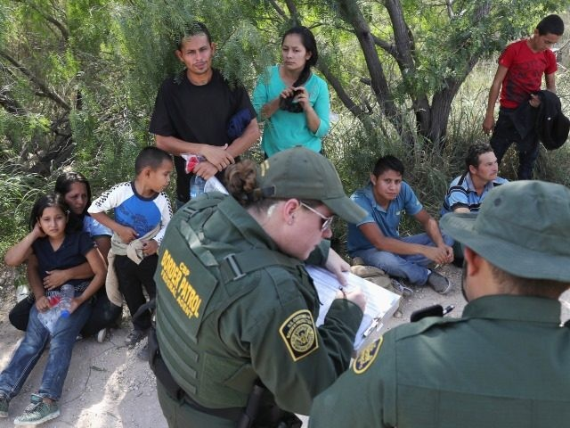 While Eyes are on Washington, Agents Apprehend 2,000 Migrants in 3 Days at Single Border Crossing