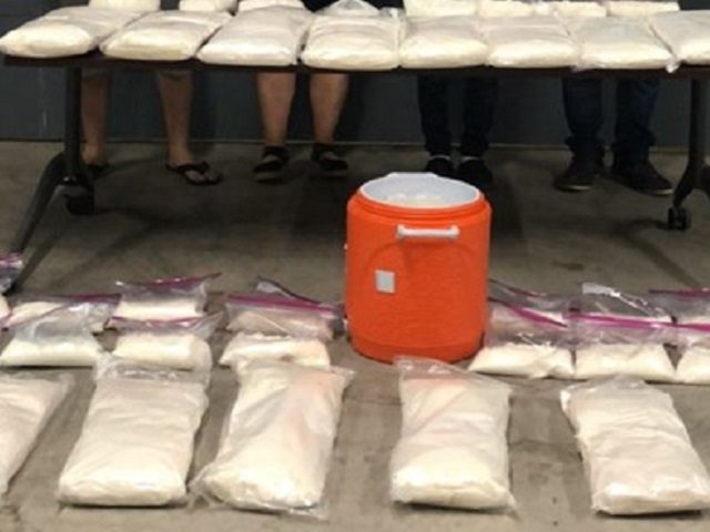 Mexican police seize 160 kilos of methamphetamine in a Tijuana drug lab raid. (Photo: Elementos de la Policía Estatal Preventiva)