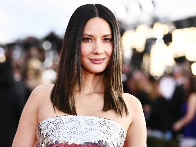 Actor Olivia Munn attends the 24th Annual Screen Actors Guild Awards at The Shrine Auditorium on January 21, 2018 in Los Angeles, California. 27522_011 (Photo by Emma McIntyre/Getty Images for Turner)