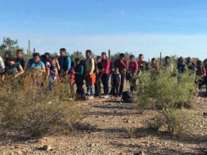 Ajo Station Border Patrol agents arrest a group of 163 migrants near Lukeville, Arizona. (Photo: U.S. Border Patrol/Tucson Sector)