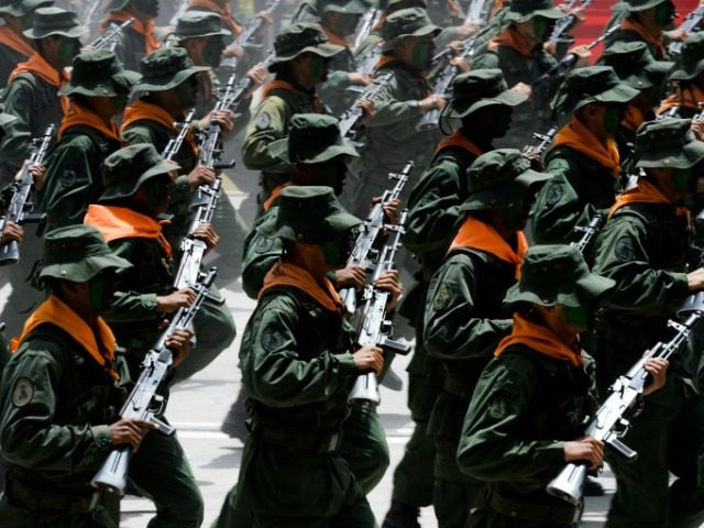 Venezuelan army soldiers take part in a military parade to celebrate the 207th anniversary of Venezuelan Independence in Caracas on July 5, 2018