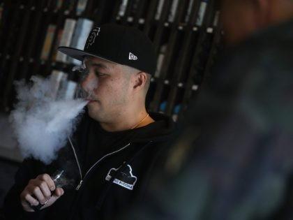 e-cigs (Justin Sullivan / Getty)