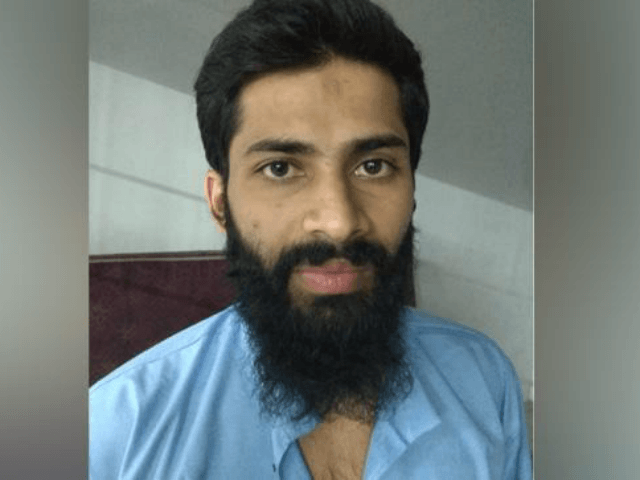 In a first, a 26-year-old terror suspect from Kerala, Nashidul Hamzafar, has been deported from Afghanistan for questioning. Nashidul spent a year in Afghanistan to join ISIS. On Tuesday, Afghan authorities put Nashidul on a plane to Delhi, where NIA officials were waiting for him.