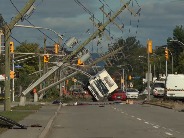 Massive cleanup underway after Ottawa-Gatineau tornado September 23, 2018