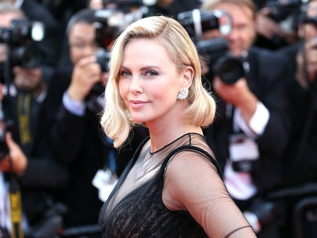 CANNES, FRANCE - MAY 23: Actor Charlize Theron attends the 70th Anniversary of the 70th annual Cannes Film Festival at Palais des Festivals on May 23, 2017 in Cannes, France. (Photo by Chris Jackson/Getty Images)